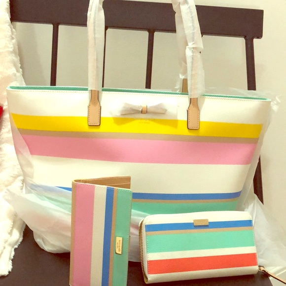 kate spade Handbags - KATE SPADE LARGE COLORFUL TOTE:) With WALLETS